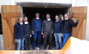 Die Aufräummannschaft von links: Martin Schöffel; Gerold Haag; Hans Weith; Martin Held; Walter Eberle und Willi Egeler. Traveler DC 140